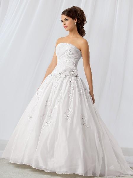 Wyjątkowo Piękne  Suknie ślubne 2013 4