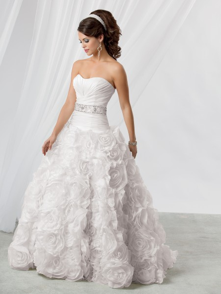 Wyjątkowo Piękne  Suknie ślubne 2013 5